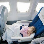 بلیط هواپیما برای نوزادان و کودکان