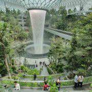 مرتفعترین آبشار در فرودگاه سنگاپور
