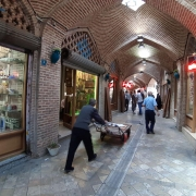 رونق گردشگری بازار صنایعدستی را پررونق میکند