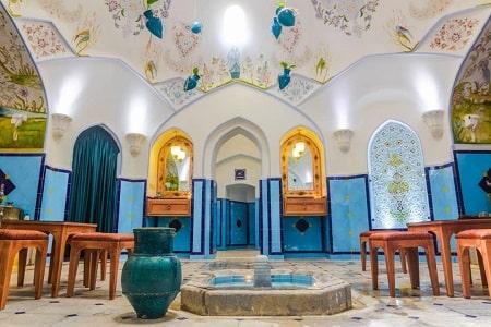 حمام قاضیکه در اصفهان واقع شده است، گرمابه تاریخی بازسازی شده ای است که افراد هم می توانند از حمام آن استفاده کنند و هم ماساژ توسط دلاک بگیرند!